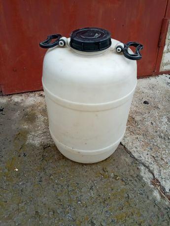 Бочка пластмассовая пищевая ёмкостью 50 литров, б/у