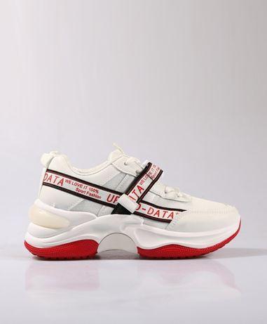 Белые кроссовки р.38