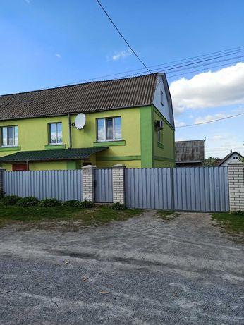 Продаю половину будинку в Новограді-Волинському, терміново, торг