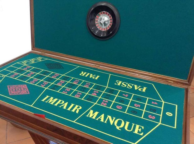 Mesa de jogo art deco