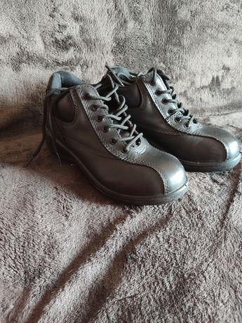 Обмін взуття на сукуленти