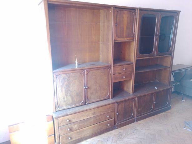 Armário de sala de madeira