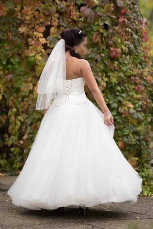 ** Suknia Ślubna **