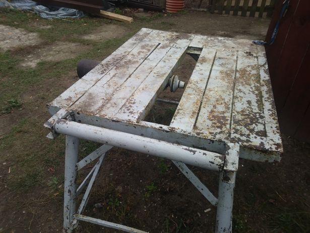 Stół do krajzagi