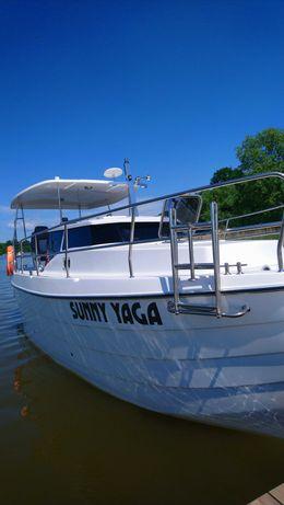 Wolne jachty j. Jeziorak Laguna 700 motorowy, 2 żaglowe Phobosy 25