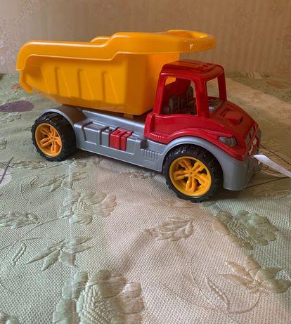 Игрушка-грузовик