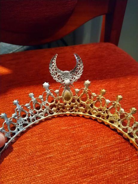 Tiara, diadem, korona.