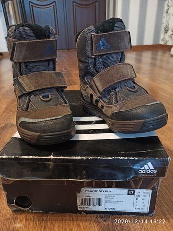 Дитячі зимові черевики Adidas Primaloft.