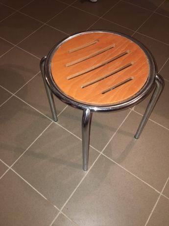 Krzesła/Taborety 7 szt.