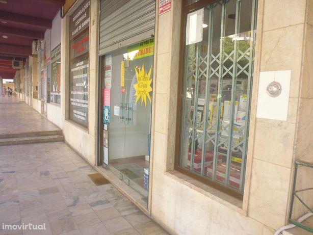 ALGES/Miraflores excelente espaço Comercial