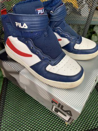 Зимние ботинки Fila из магазина Спротмастер