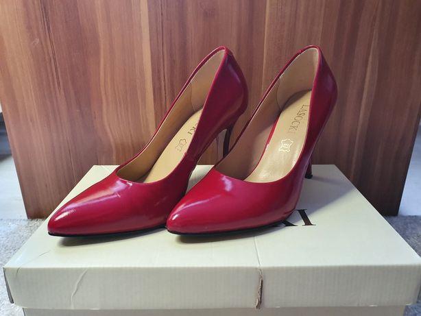 Czerwone szpilki Lasocki