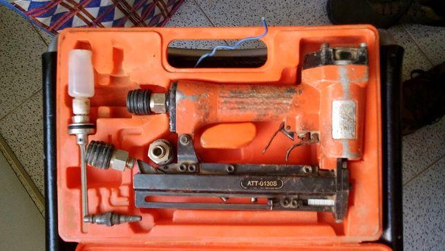Agrafador a ar comprimido 16 a 32mm + mangueira
