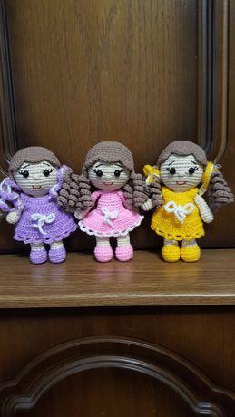 Вязаная игрушка кукла куколка