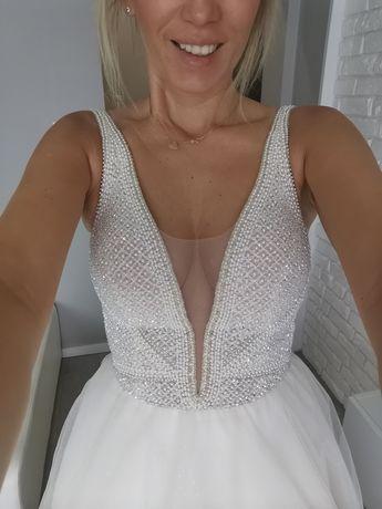 Suknia ślubna perełki