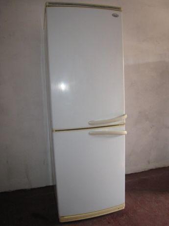Холодильник Zабеrem под утилизацию.