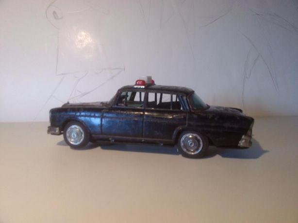 Carro brinquedo taxi em Chapa