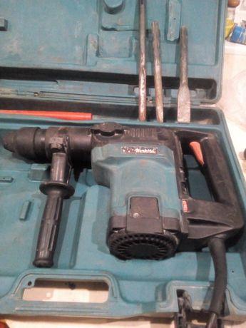 Продам Makita HR-4500C SDS-max, перфоратор, отбойный молоток.