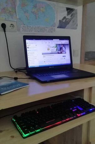 Продам ноутбук Packard Bell со скоростным SSD диском и доп клавиатурой