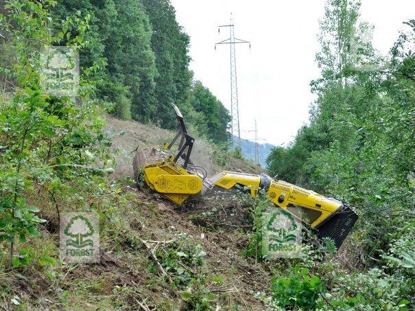 Mulczer leśny, mulczowanie skarp, karczowanie terenów trudnych