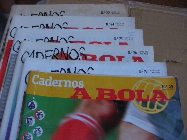 """Jornais """"Cadernos de ABola """" dos anos 90"""