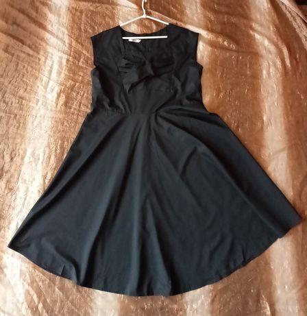 Czarna rozkloszowana sukienka rozmiar 46