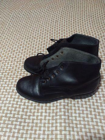 Чоловічі черевики