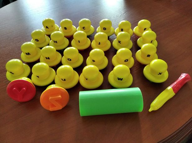 Stemple Play Doh, stempelki- alfabet do modeliny