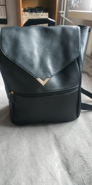 Plecak czarny...