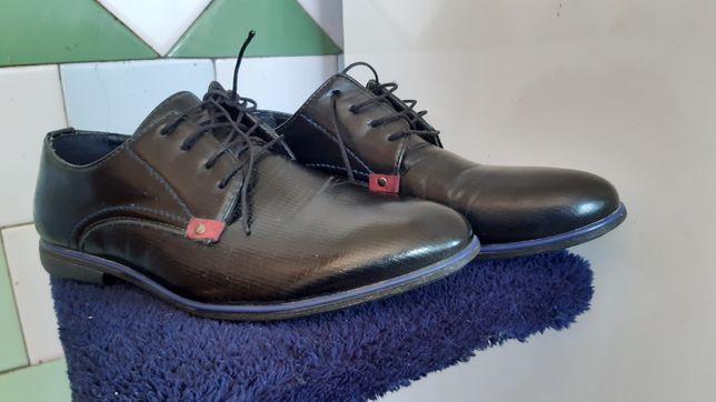 Взуття 38р (туфлі, копачки)