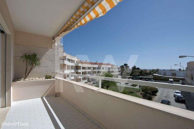 Apartamento T3 com Vista Mar nos Jardins da Parede
