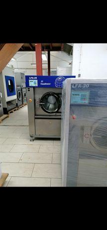 Máquinas e Equipamentos de lavandaria industrial e Self service