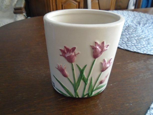 Wazonik szweckiej firmy ceramicznej jie keramik design