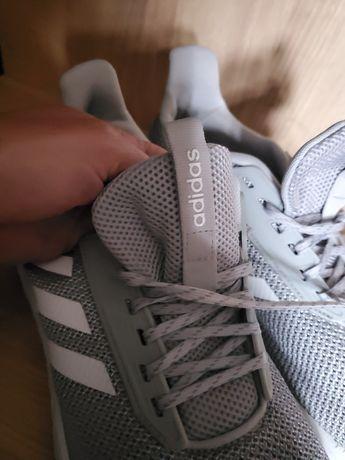 Adidasy firmy Adidas kolor szary. Stan bardzo.dobry mało noszone