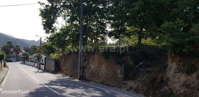 Terreno para construção com 547 m2 em Serafão