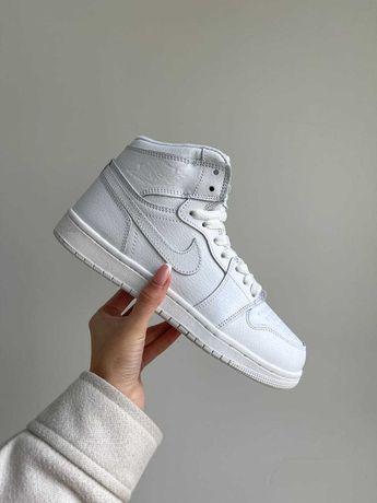 Зимние Женские Кроссовки Nike Air Jordan1 Retro (Мех)36-37-38-39-40-41
