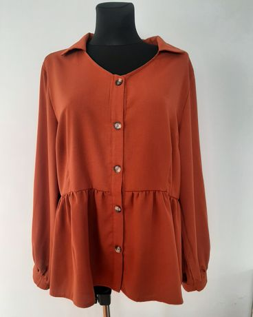 Nowa bluzka z baskinką w rozmiarze 50.