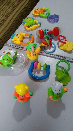 Якісні сміковські іграшки для самих маленьких дітей.