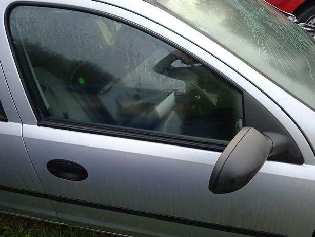 Opel Corsa C drzwi przednie prawe kompletne