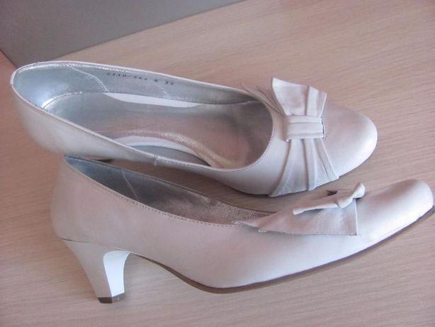 Туфли натур.кожа белые 39рр