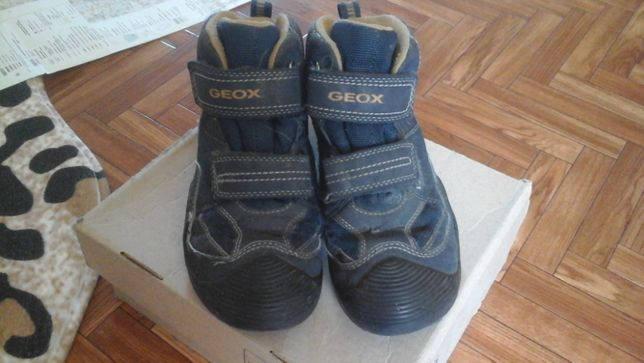 Продам ботинки Geox
