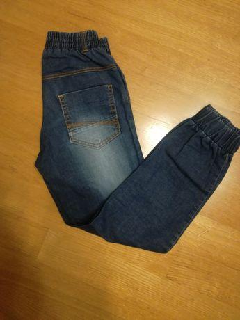 Spodnie dżinsowe 122