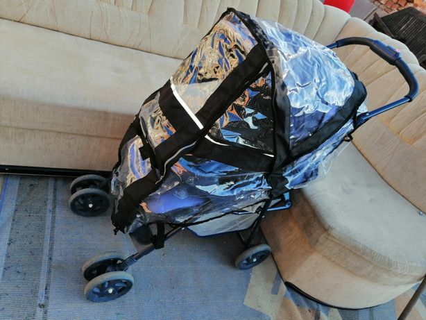 Wózek spacerówka z osłoną foliową zabezpieczającą