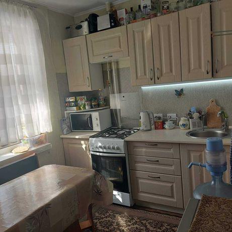 Полноценная квартира в хорошем районе, с видом на сад, 23800д (і1