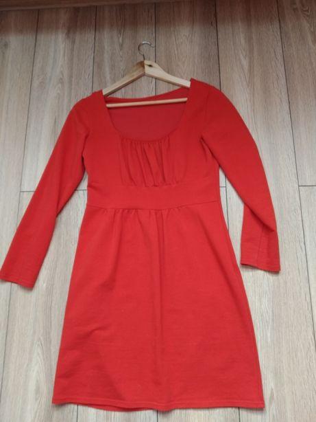 Elegancka czerwona sukienka rozmiar M
