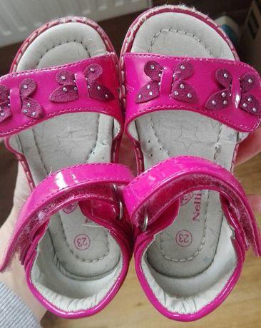 Sandałki dziewczęce - rozm. 23, stan bdb+
