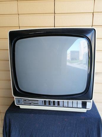 Televisor a preto e branco c/UHF /VHF dos anos 60