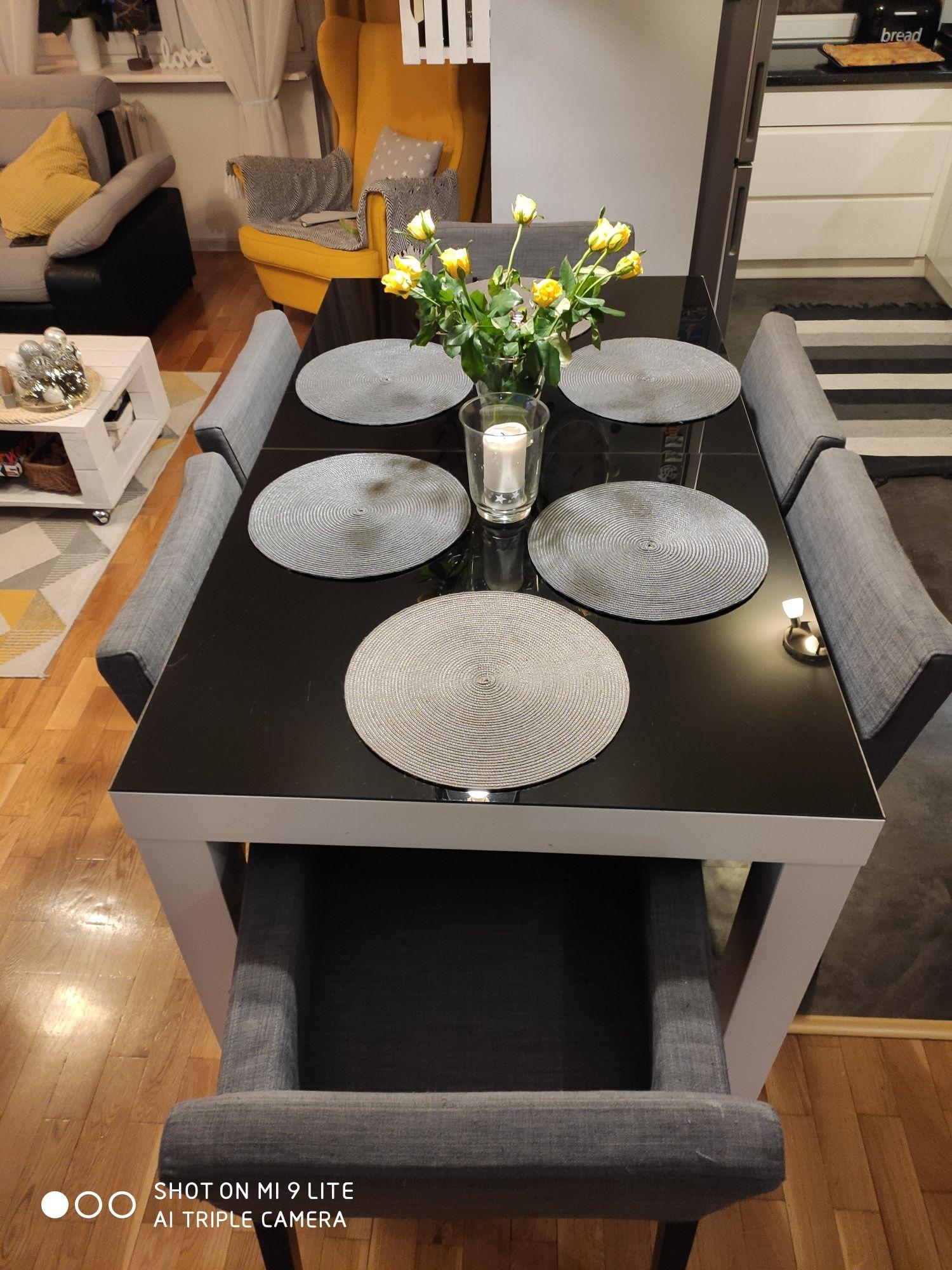 Stół biały drewniany czarne szkolo
