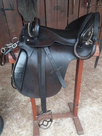 Arreio cela mista para cavalo em estado de novo