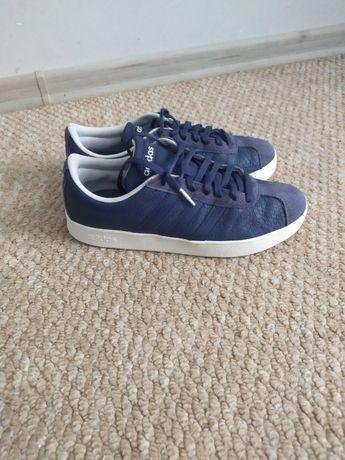Кроссовки Адидас 37-38р на мальчика, синие кожаные кросовки